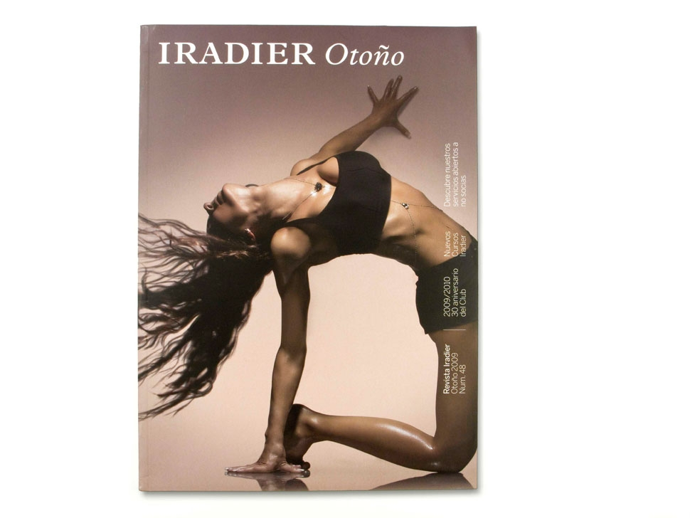 Iradier, Línea editorial y elementos de difusión, Magazine, revista trimestral, revista mensual y folletos informativos del club deportivo exclusivo para mujeres situado en Barcelona.Copy y gráfica estratégica.