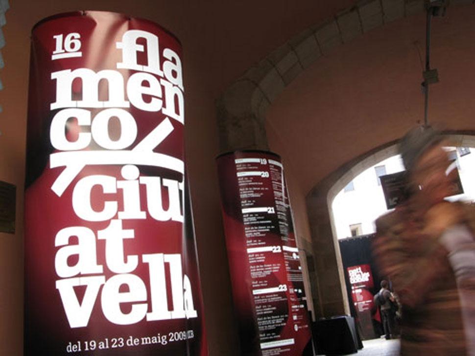 Taller de Músics, Ambientación Flamenco Ciutat Vella, Señalética y gráfica para la ambientación de varias ediciones del festival especializado en explorar los nuevos caminos de la música flamenca. Dirección de arte y diseño gráfico.